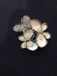 Gathered Butterflies Brooch with Crystal and Pearl body-white/silver