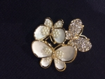 Gathered Butterflies Brooch with Crystal and Pearl body-white/gold