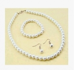 3 PIECE Pearl and crystal necklace set